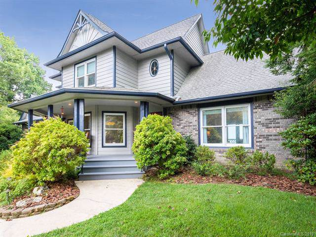 911 Sunlight Ridge Drive, Hendersonville, NC 28792 (#3536864) :: Keller Williams Professionals