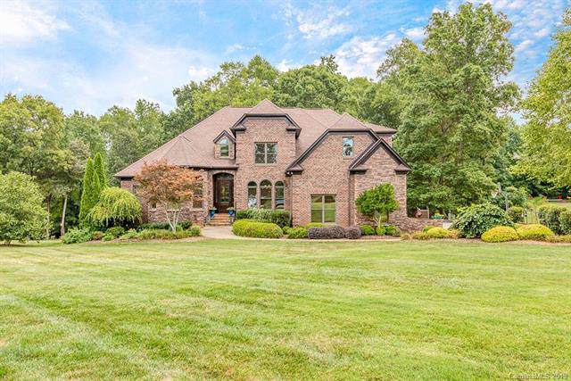 8523 Rolling Fields Road, Charlotte, NC 28227 (#3536999) :: Carlyle Properties