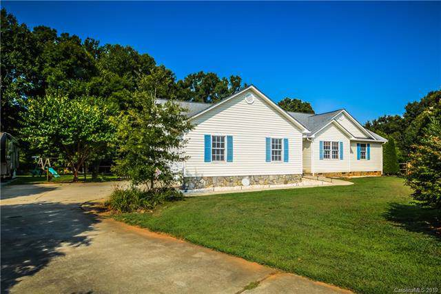 2803 River Meadows Court, Lincolnton, NC 28092 (#3537168) :: LePage Johnson Realty Group, LLC