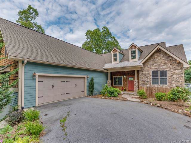 147 Flameleaf Lane, Laurel Park, NC 28739 (#3537258) :: Keller Williams Professionals