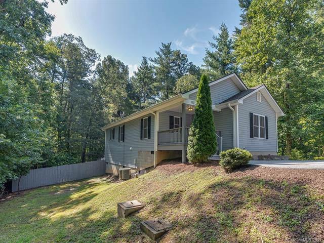 152 Victoria Springs Drive, Flat Rock, NC 28731 (#3537623) :: Carver Pressley, REALTORS®