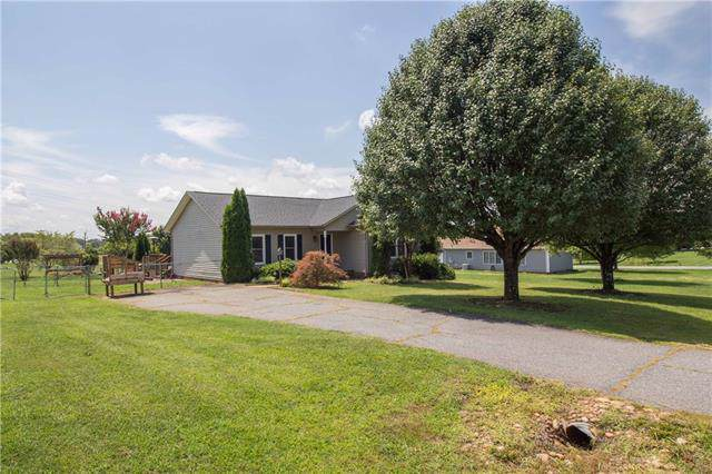 1389 Pear Drive, Conover, NC 28613 (#3537651) :: Rinehart Realty