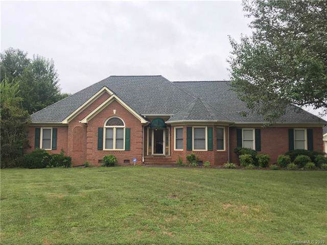 946 Deerfield Drive, Mount Holly, NC 28120 (#3537710) :: BluAxis Realty