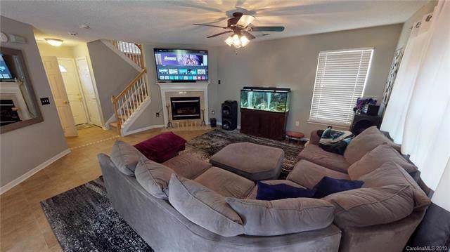 5938 Hidden Meadow Lane, Charlotte, NC 28269 (#3538402) :: The Ramsey Group