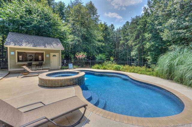 137 Tennessee Circle, Mooresville, NC 28117 (#3538413) :: Rinehart Realty