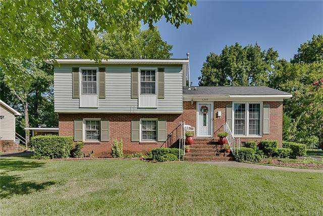 6209 Old Coach Road, Charlotte, NC 28215 (#3538464) :: Besecker Homes Team