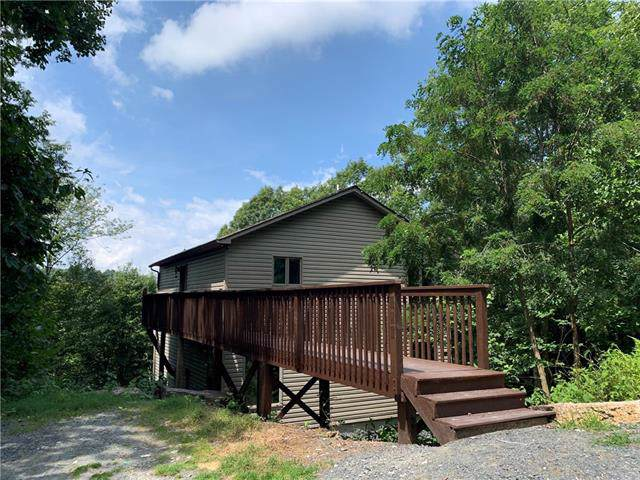 111 Hoot Owl Lane, Beech Mountain, NC 28604 (#3538608) :: Stephen Cooley Real Estate Group