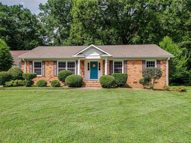 6746 Queensberry Drive, Charlotte, NC 28226 (#3539226) :: Roby Realty