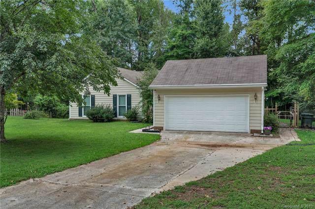 630 Creekwood Court, Matthews, NC 28105 (#3539289) :: Carlyle Properties
