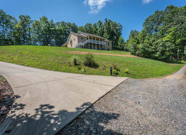 24 Lamplighter Lane, Weaverville, NC 28787 (#3539361) :: The Ramsey Group