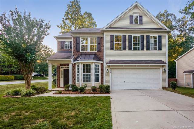 1701 Wilburn Park Lane, Charlotte, NC 28269 (#3539393) :: Washburn Real Estate