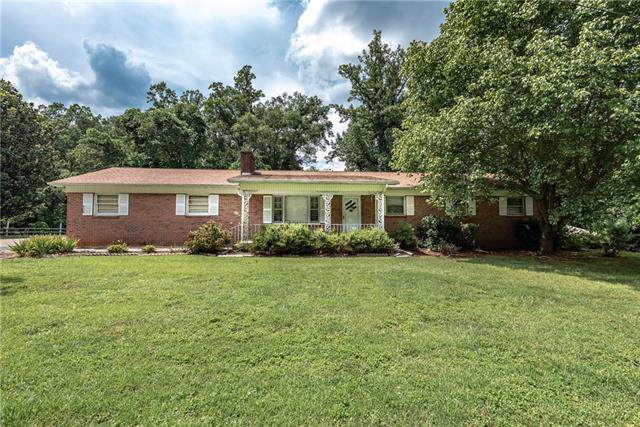 308 Burke Street, Hickory, NC 28601 (#3539433) :: Exit Realty Vistas