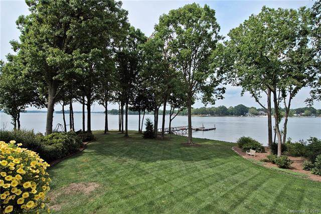 19529 Weavers Circle, Cornelius, NC 28031 (#3539541) :: Cloninger Properties