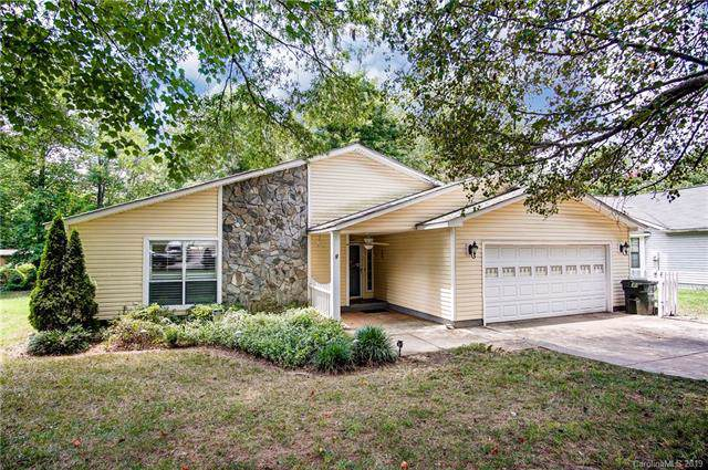 6324 Ellesmere Court, Mint Hill, NC 28227 (#3539629) :: Odell Realty