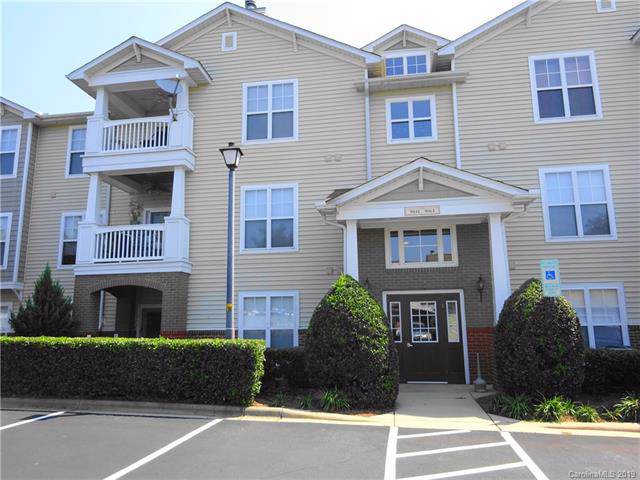 9047 Mcdowell Creek Court #9047, Cornelius, NC 28031 (#3539821) :: Scarlett Real Estate