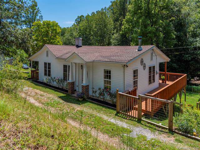 360 Youngs Cove Road, Candler, NC 28715 (#3540339) :: Carlyle Properties