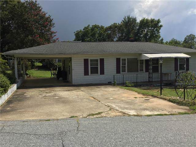 135 Clover Drive, Lenoir, NC 28645 (#3540409) :: Carlyle Properties