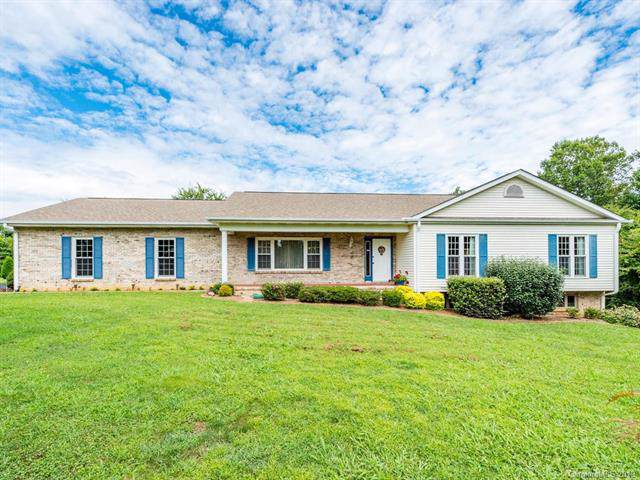 285 Tillman Drive, Hendersonville, NC 28792 (#3540642) :: RE/MAX RESULTS