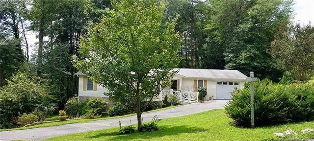 300 Greystone Drive, Hendersonville, NC 28792 (#3540763) :: www.debrasellscarolinas.com