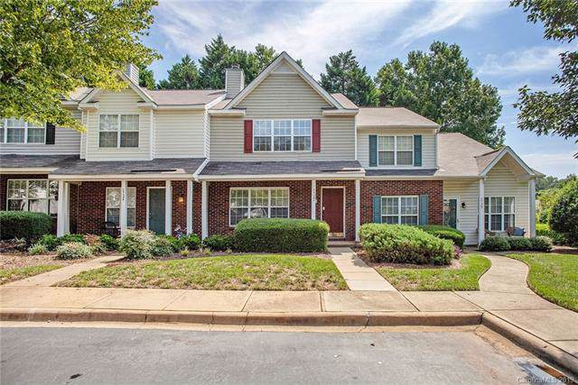 5722 Cougar Lane, Charlotte, NC 28269 (#3540808) :: Charlotte Home Experts