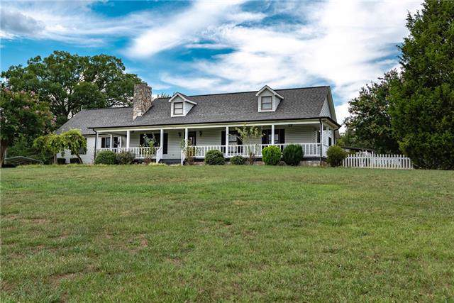 6012 Mountain Grove Road, Hickory, NC 28602 (#3541148) :: The Ramsey Group
