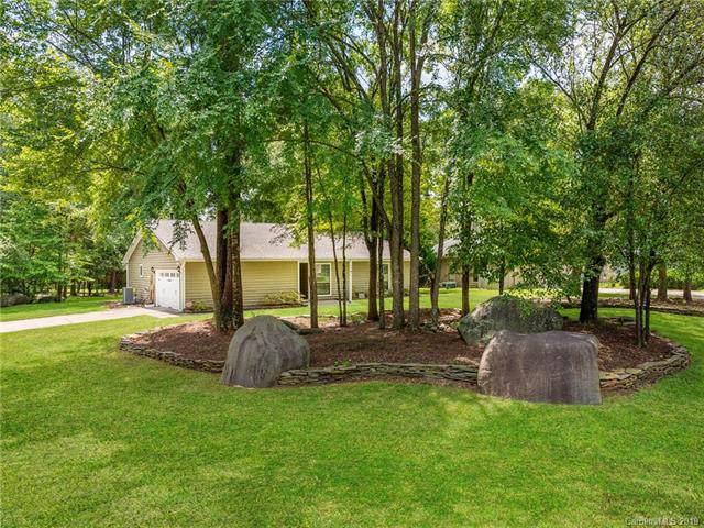 10901 Coachman Circle, Charlotte, NC 28277 (#3541284) :: Francis Real Estate