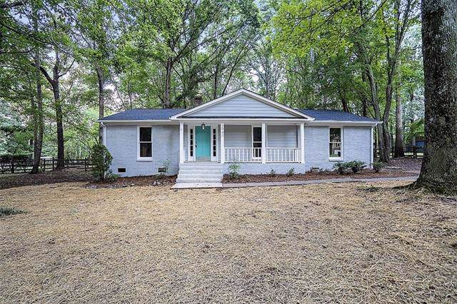 2940 Winding Trail, Matthews, NC 28105 (#3541330) :: Rowena Patton's All-Star Powerhouse