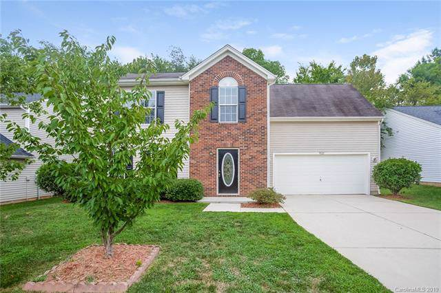 9022 Arbor Creek Drive, Charlotte, NC 28269 (#3541822) :: Odell Realty