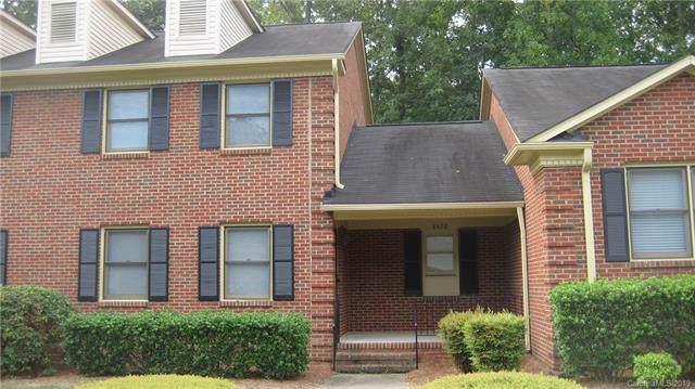 8422 Coulwood Oak Lane, Charlotte, NC 28214 (#3541944) :: Miller Realty Group