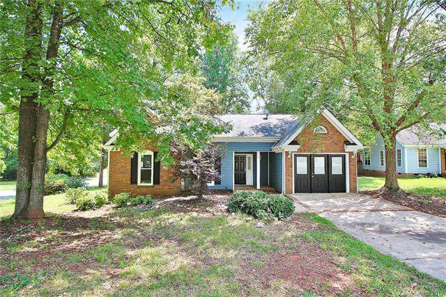11610 Brockley Court, Charlotte, NC 28215 (#3541960) :: The Andy Bovender Team