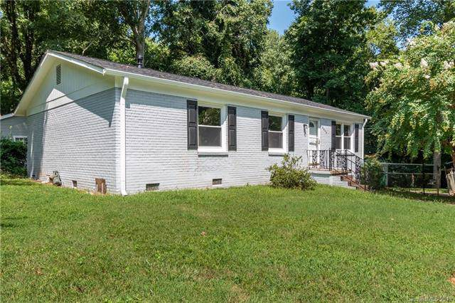 2301 Kennesaw Drive, Charlotte, NC 28216 (#3542013) :: Cloninger Properties