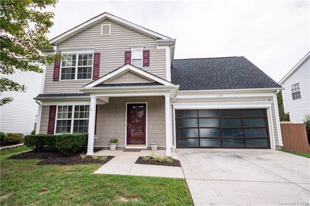 11221 Northwoods Forest Drive, Charlotte, NC 28214 (#3542199) :: Rinehart Realty