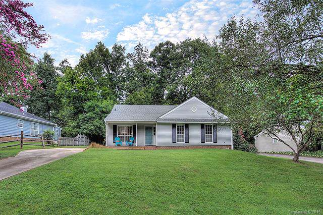 11827 Post Ridge Court, Charlotte, NC 28226 (#3542244) :: Carolina Real Estate Experts