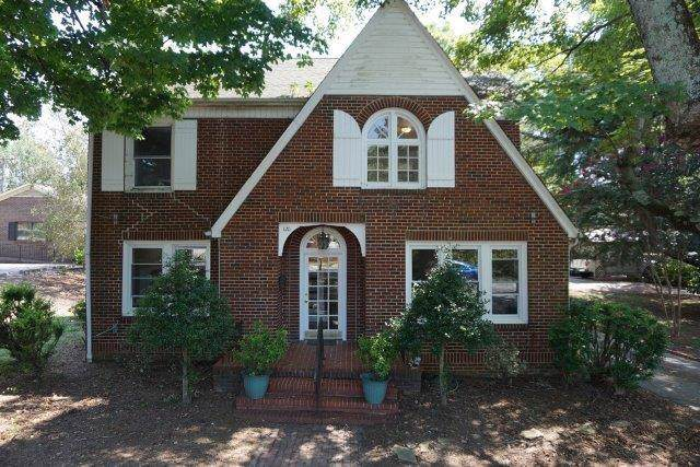 120 2nd Avenue NE, Hickory, NC 28601 (#3542338) :: Miller Realty Group