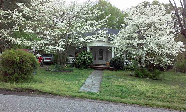 704 15th Street SW, Hickory, NC 28602 (#3542605) :: BluAxis Realty