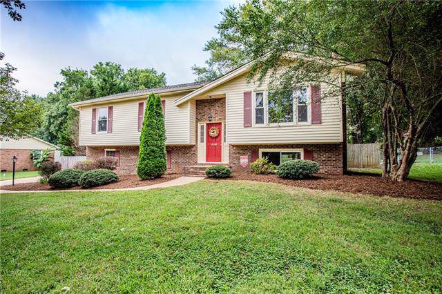 1197 Zion Church Road, Hickory, NC 28602 (#3542642) :: BluAxis Realty
