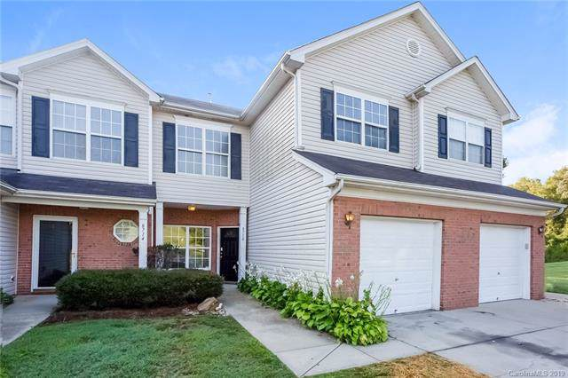 8710 Appledale Drive, Charlotte, NC 28262 (#3542692) :: BluAxis Realty