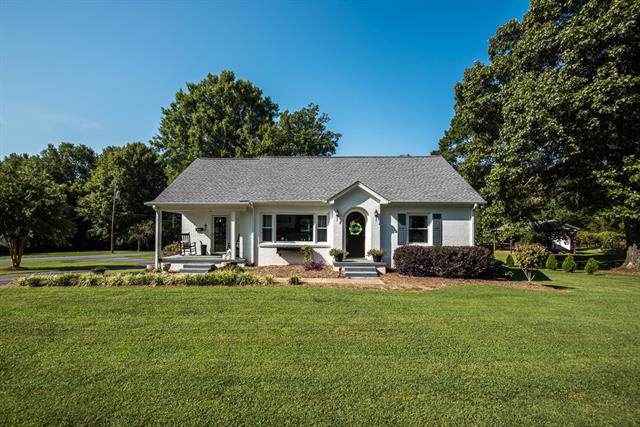 810 2nd Street SE, Conover, NC 28613 (#3542786) :: Carlyle Properties