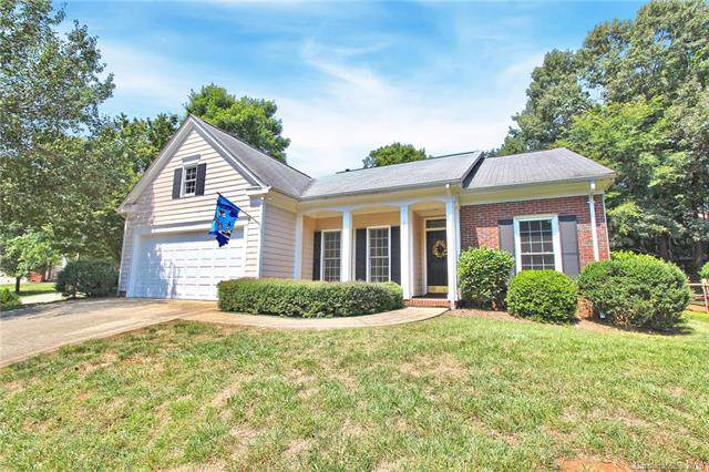 6215 Hickory Cove Lane, Charlotte, NC 28269 (#3542787) :: The Ramsey Group