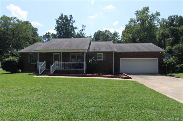401 Ballard Street, Cherryville, NC 28021 (#3543101) :: The Elite Group