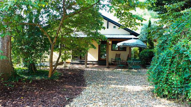 7 Lookout Drive, Asheville, NC 28804 (#3543176) :: Homes Charlotte