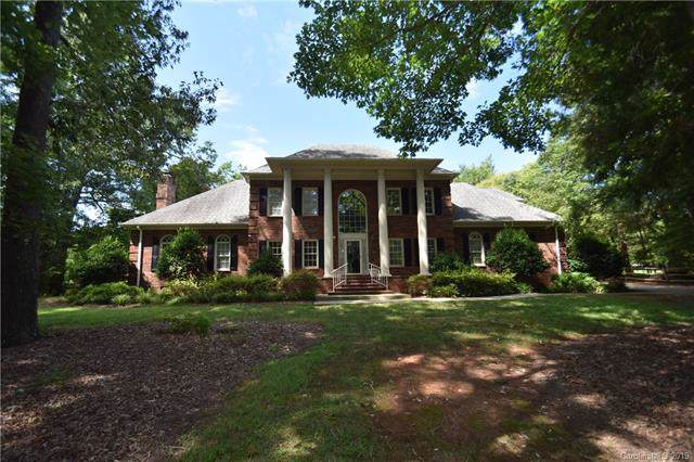109 Valley Ranch Lane, Matthews, NC 28104 (#3544104) :: Rowena Patton's All-Star Powerhouse