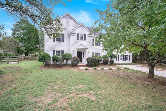 8704 Parkchester Drive, Charlotte, NC 28277 (#3544388) :: Washburn Real Estate