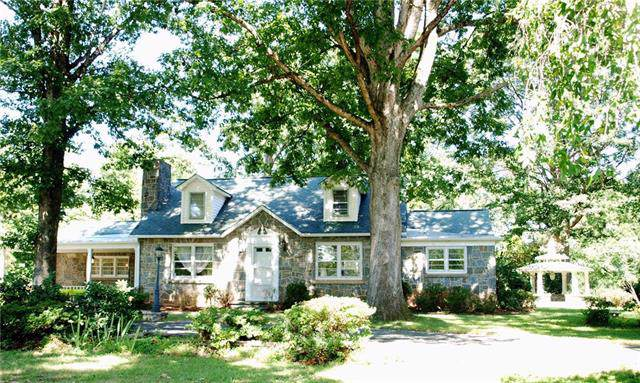 1361 21st Avenue NE, Hickory, NC 28601 (#3544839) :: The Andy Bovender Team