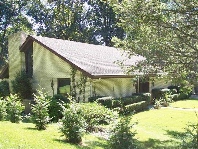 1016 Ridgewood Drive NE, Lenoir, NC 28645 (#3545084) :: Homes Charlotte
