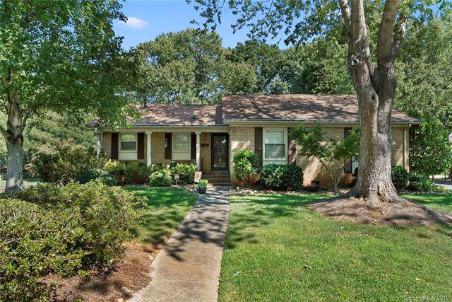 7501 Woodstream Drive, Charlotte, NC 28210 (#3545375) :: Stephen Cooley Real Estate Group