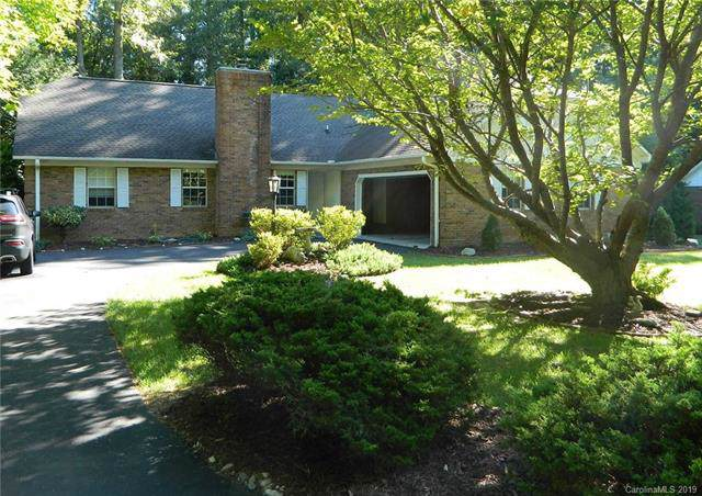 3005 Essex Court, Hendersonville, NC 28791 (#3545919) :: LePage Johnson Realty Group, LLC