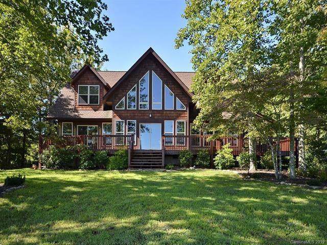401 Grand Oaks Drive, Hendersonville, NC 28792 (#3546131) :: Homes Charlotte