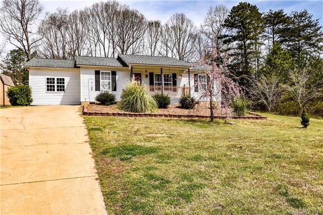 910 Cornelius Road, Mooresville, NC 28117 (#3546284) :: Homes Charlotte