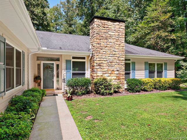 114 Chanticleer Lane, Hendersonville, NC 28739 (#3546397) :: Keller Williams Professionals